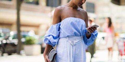 Shoulder, Joint, Street fashion, Strapless dress, Electric blue, Dress, Fashion, Cobalt blue, Chest, Waist,