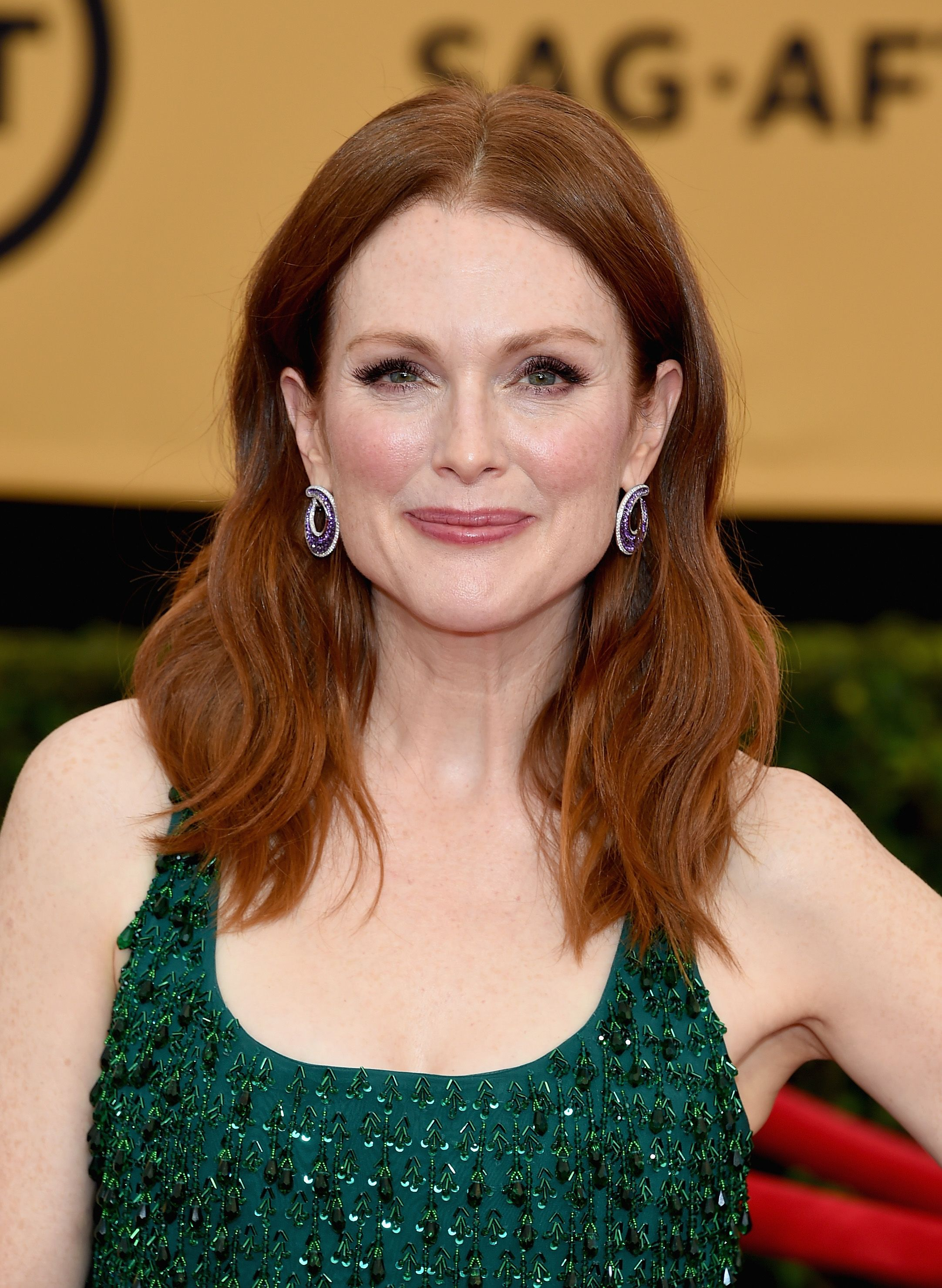 Female Celebrities With Light Brown Hair in 26 best auburn hair colors - celebrities with red brown hair