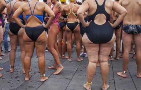 Clothing, Leg, Swimwear, Human leg, Brassiere, Undergarment, Swimsuit bottom, Thigh, Muscle, Chest,