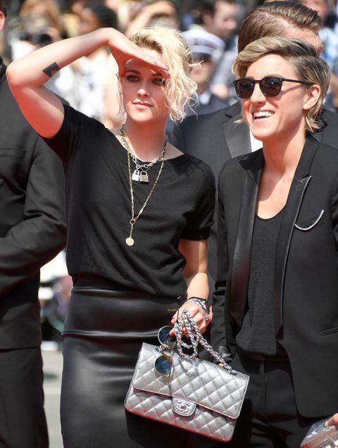 Eyewear, Arm, Sunglasses, Jewellery, Fashion accessory, Outerwear, Style, Necklace, Street fashion, Bag,