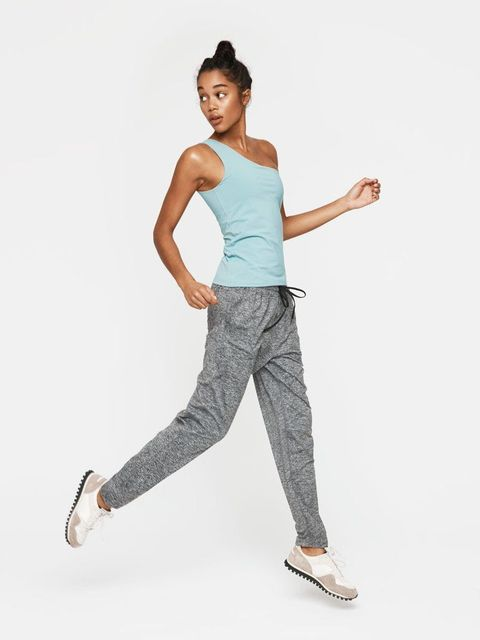 "<p>There's a bra built into the top, so you can have the best *and* most fashion-y Garudasana in the class. </p><p>$60, <a href=""http://rstyle.me/n/bv4znrbqb8f"" target=""_blank"">outdoorvoices.com</a>.</p>"