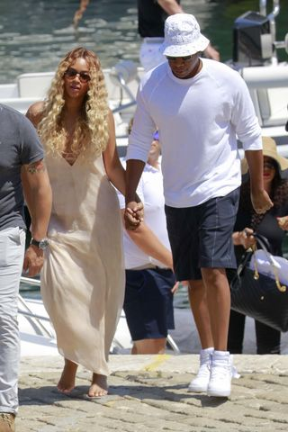 50+ Best Beyonce Outfits in 2017 - Beyonce Street Style