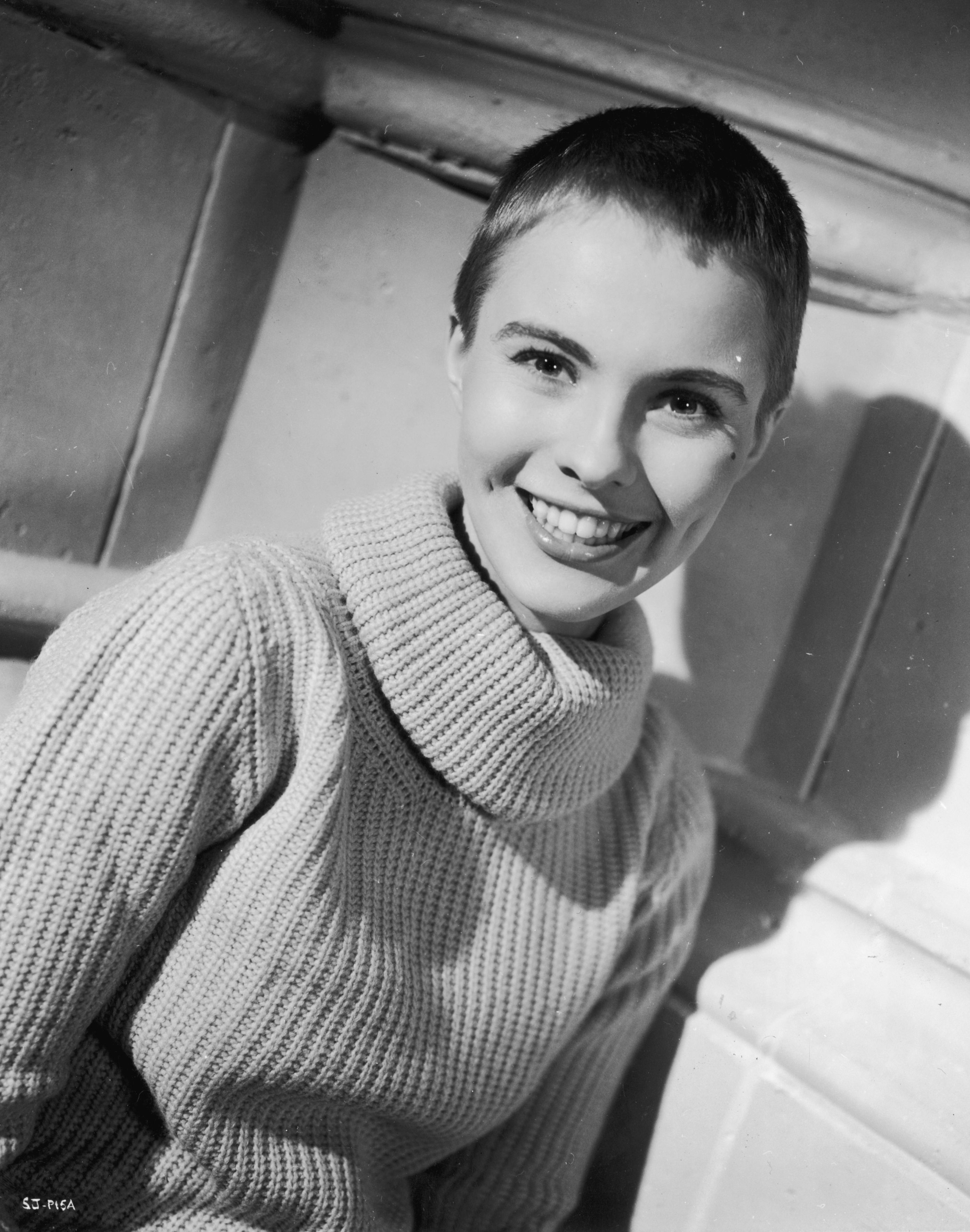 22 Famous Ladies Who Look Great With A Buzz Cut These Female Celebrities Look Amazing With A Buzz Cut