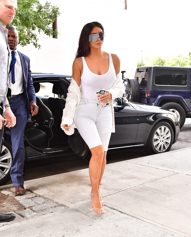 7d633b7b5c8a Kim Kardashian Street Style - Kim Kardashian Best Looks