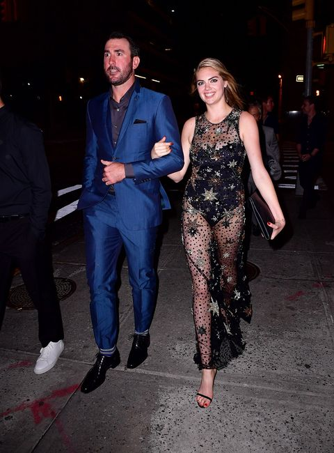<p>In Jenny Packham at her 24th birthday party</p>