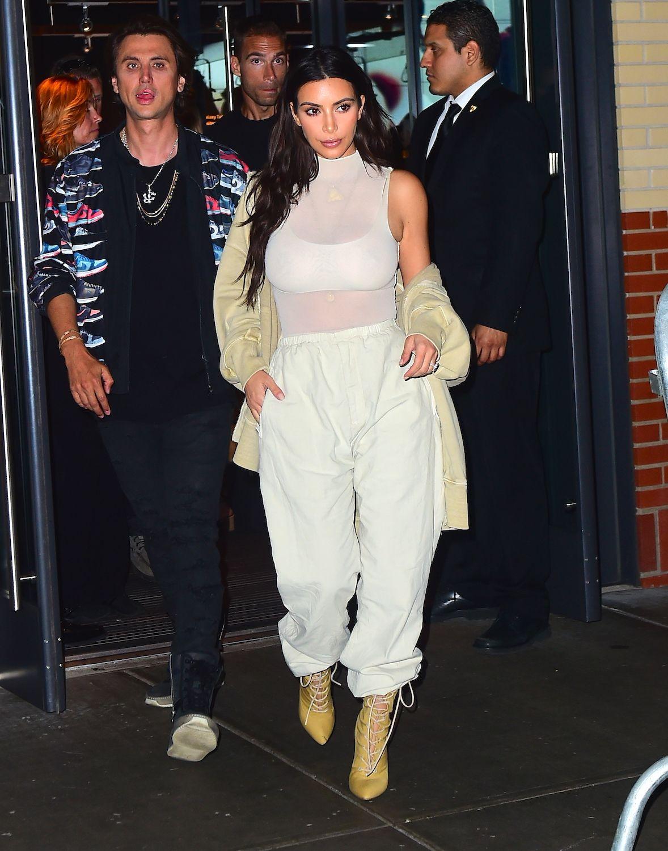 Style Street Kim Best Kardashian Looks QedCBoxWr