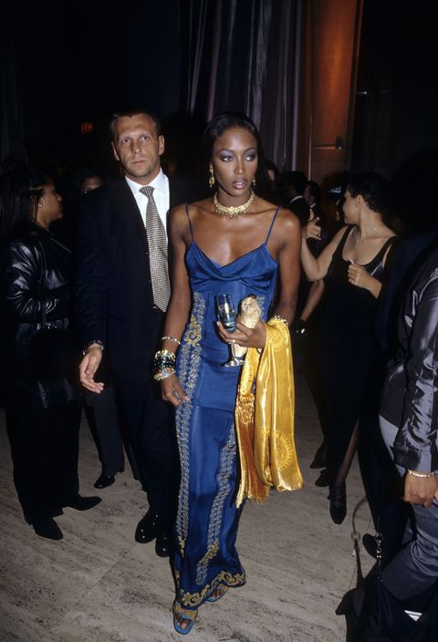 <p>When Naomi, who really does not get enough credit for being a style icon, exercised her knowledge of the color wheel like a pro. </p>