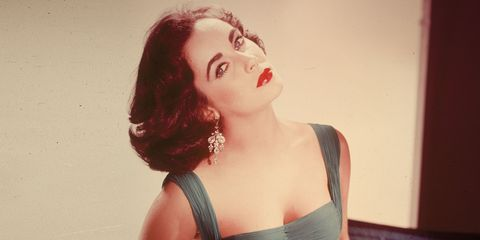Lip, Hairstyle, Shoulder, Red, Style, Eyelash, Beauty, Fashion, Neck, Model,