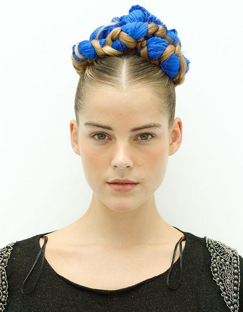 Ear, Hairstyle, Hair accessory, Headpiece, Style, Eyelash, Headgear, Fashion, Beauty, Neck,