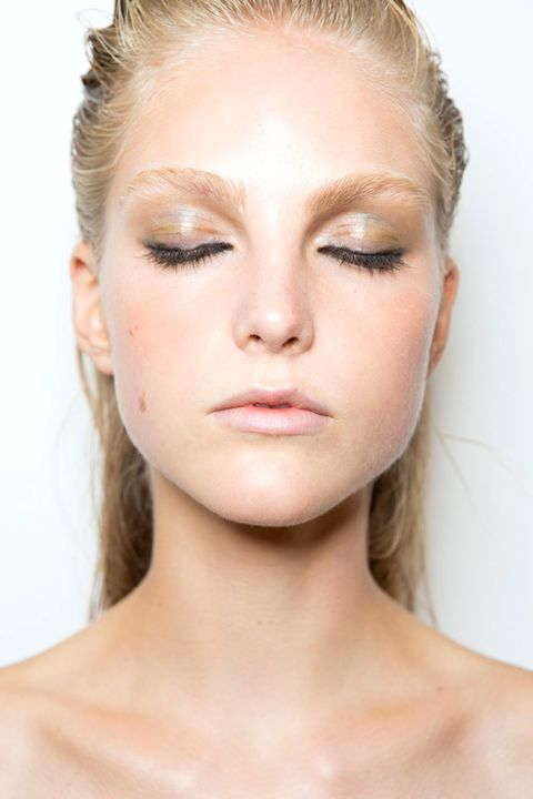 Lip, Cheek, Hairstyle, Skin, Chin, Forehead, Eyelash, Shoulder, Eyebrow, Joint,