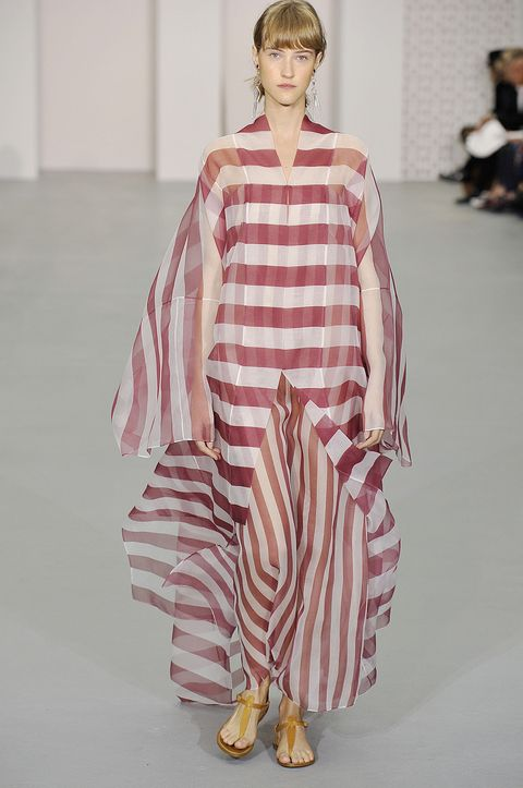 <p>Stripes on stripes on muumuu. </p>