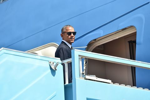 Eyewear, Vision care, Blue, Goggles, Sunglasses, Azure, Electric blue, Job, White-collar worker, Passenger,