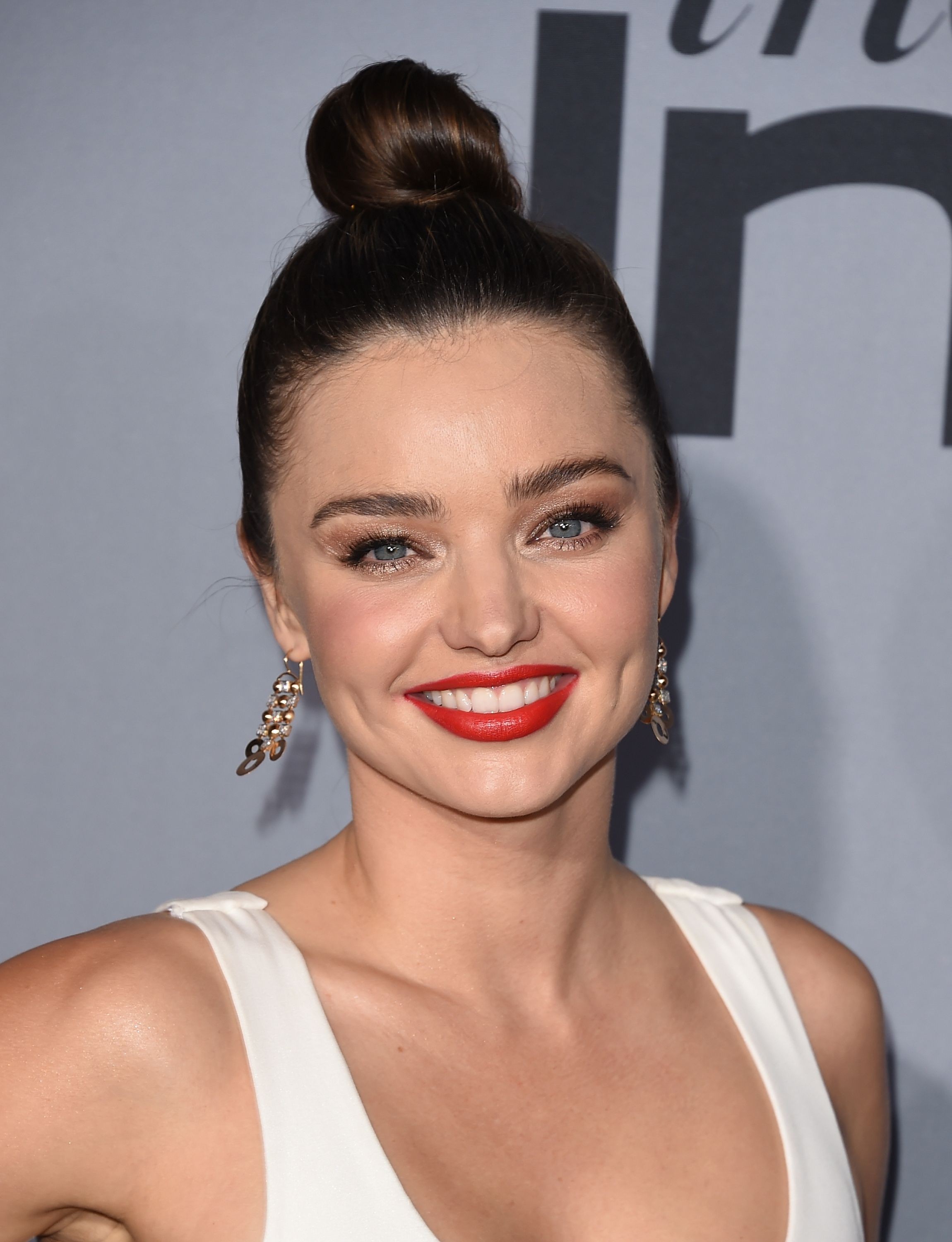 50 Best Top Knot Hairstyles Of 2017 Celebrity Top Knot Ideas