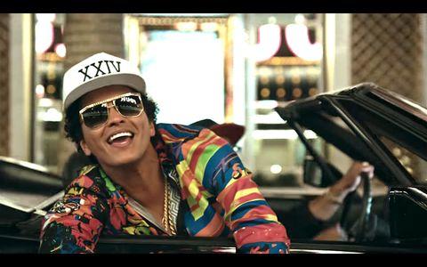 Eyewear, Cap, Vision care, Glasses, Goggles, Sunglasses, Baseball cap, Fashion accessory, Street fashion, Windshield,