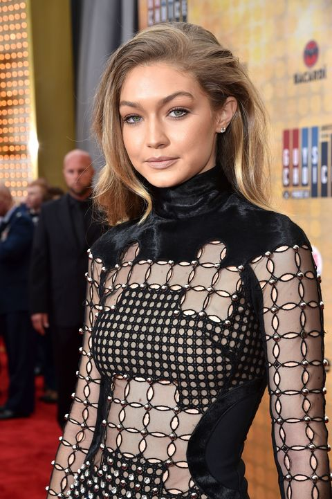 "<p>Gigi Hadid's eating motto&nbsp;is sheer brilliance:&nbsp;""eat clean to stay fit, eat a&nbsp;burger to stay sane<span class=""redactor-invisible-space"" data-verified=""redactor"" data-redactor-tag=""span"" data-redactor-class=""redactor-invisible-space"">.""&nbsp;</span>Gigi even claims to have found&nbsp;best burger in New York, which she said is from J.G. Melon. She goes for the&nbsp;classic cheeseburger&nbsp;but hold the tomatoes, as&nbsp;<a href=""https://www.youtube.com/watch?v=_-W8Tzt91ZU"">she explained to Jimmy Fallon on <em data-redactor-tag=""em"" data-verified=""redactor"">The Tonight Show</em></a>.&nbsp;</p><p><span data-redactor-tag=""span"" data-verified=""redactor""></span></p>"