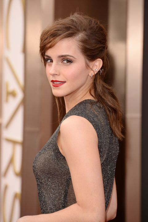 Hair, Face, Hairstyle, Beauty, Clothing, Dress, Skin, Shoulder, Lip, Fashion,