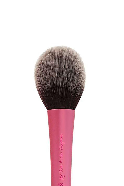 10 Best Makeup Brushes Essential