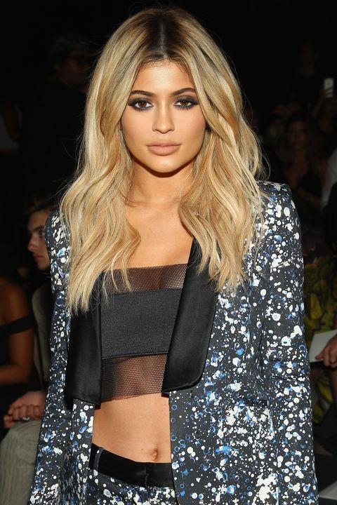 Lip, Fashion show, Hairstyle, Human body, Shoulder, Fashion model, Style, Eyelash, Street fashion, Long hair,