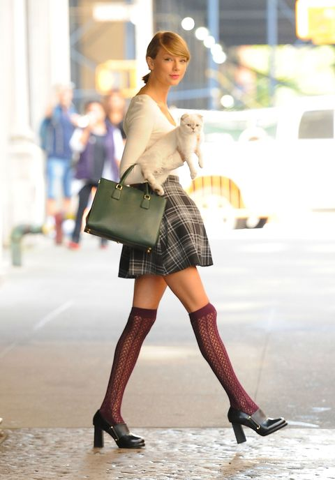 Clothing, Leg, Human leg, Textile, Joint, Outerwear, Bag, Street fashion, Style, Fashion accessory,