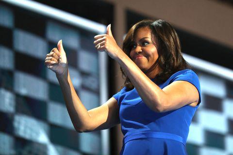 Arm, Finger, Shoulder, Dress, Hand, Wrist, Elbow, Electric blue, Gesture, Thumb,