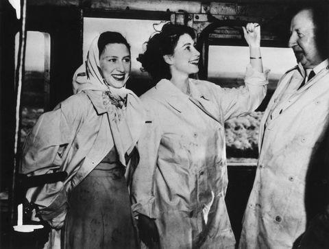 Beautiful Photos Of Queen Elizabeth And Princess Margaret When