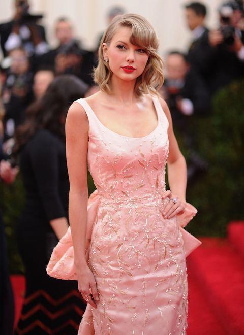 Dress, Shoulder, Red, Pink, Style, Premiere, Fashion model, Eyelash, Fashion, One-piece garment,