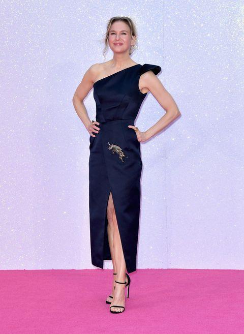 Shoulder, Dress, Joint, One-piece garment, Waist, Style, Formal wear, Flooring, Fashion model, Day dress,