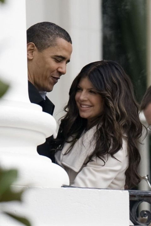 <p>Obama thanks Fergie after she sang the national anthem at the 2009 White House Easter Egg Roll.</p>