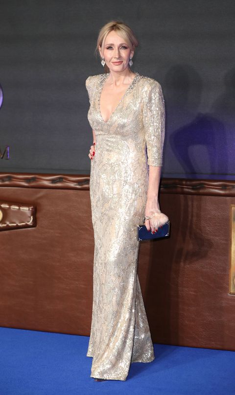 Dress, Shoulder, Flooring, Style, Formal wear, Jewellery, Fashion, Carpet, Gown, Fashion model,