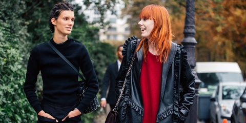 Outerwear, Jacket, Bag, Street fashion, Fashion, Red hair, Luggage and bags, Waist, Leather, Hair coloring,