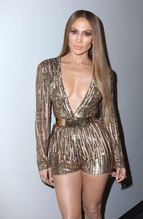 Sleeve, Shoulder, Joint, Style, Fashion model, Thigh, Fashion, Waist, Long hair, Eyelash,