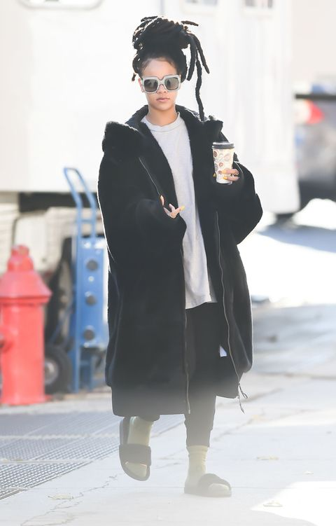 "<p>The only time you'll catch Rihanna looking less than Rihanna is literally when she's not playing herself on the set of the new <em data-redactor-tag=""em"" data-verified=""redactor"">Ocean's</em> movie.</p>"