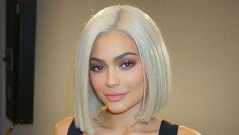 Lip, Brown, Hairstyle, Chin, Forehead, Eyebrow, Style, Eyelash, Jaw, Iris,