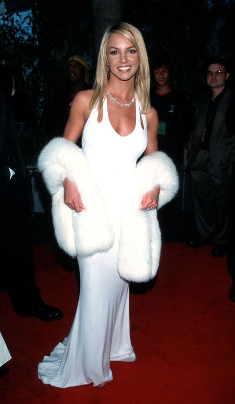 "<p>Britney Spears playing up va-va-voom Marilyn Monroe glamour in this all-white combination (almost as iconic as her Canadian tuxedo collaboration with Justin Timberlake at the American Music Awards). </p>""/></figure>    <p>The Princess of Pop wore this Marilyn Monroe inspired look in 2000. </p>    <p></p>    <h2>8. Destiny's Child</h2>    <figure class="