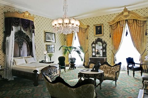 can donald trump and melania trump redecorate the white house