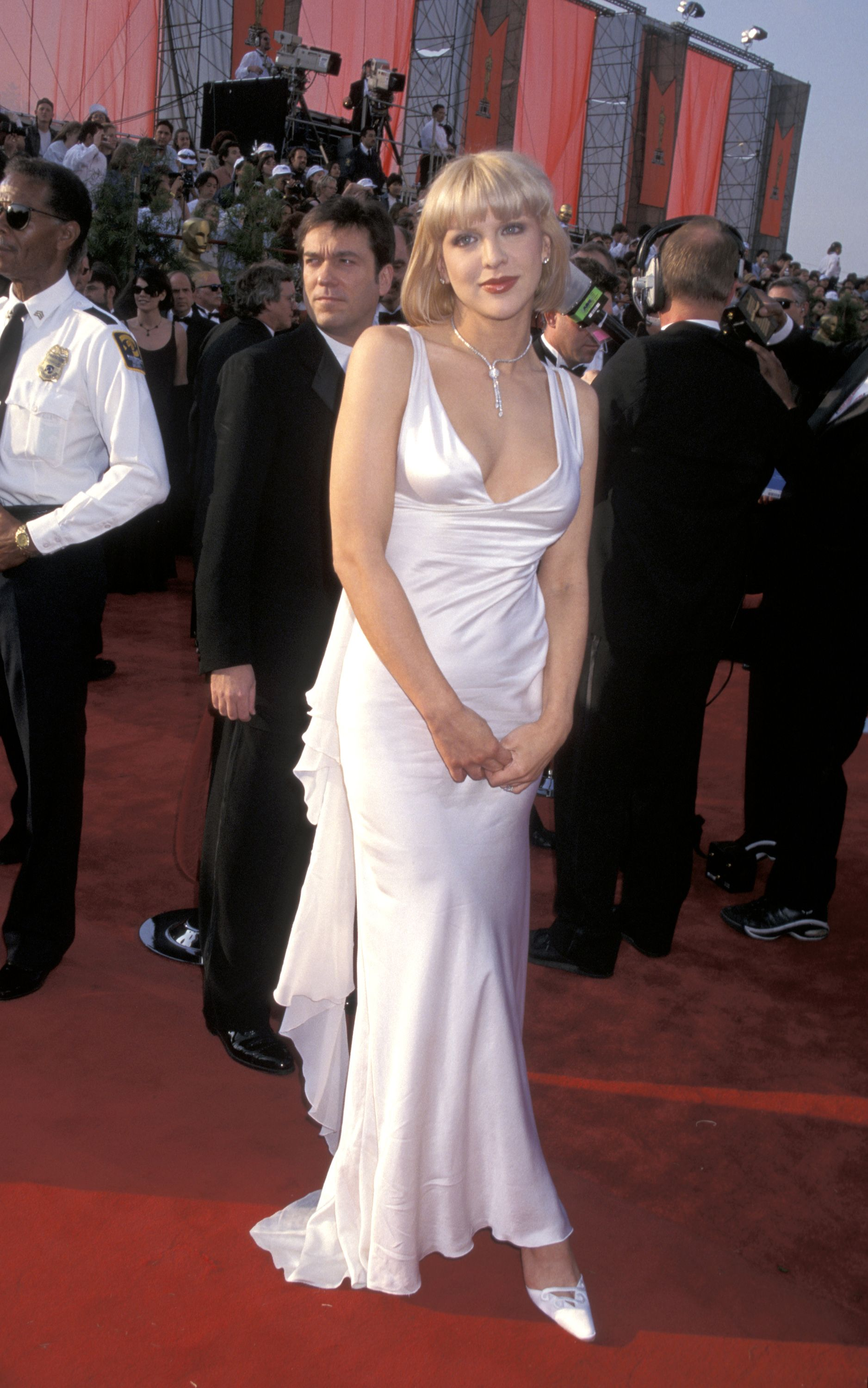 65 Most Iconic Oscar Red Carpet Dresses Of All Time