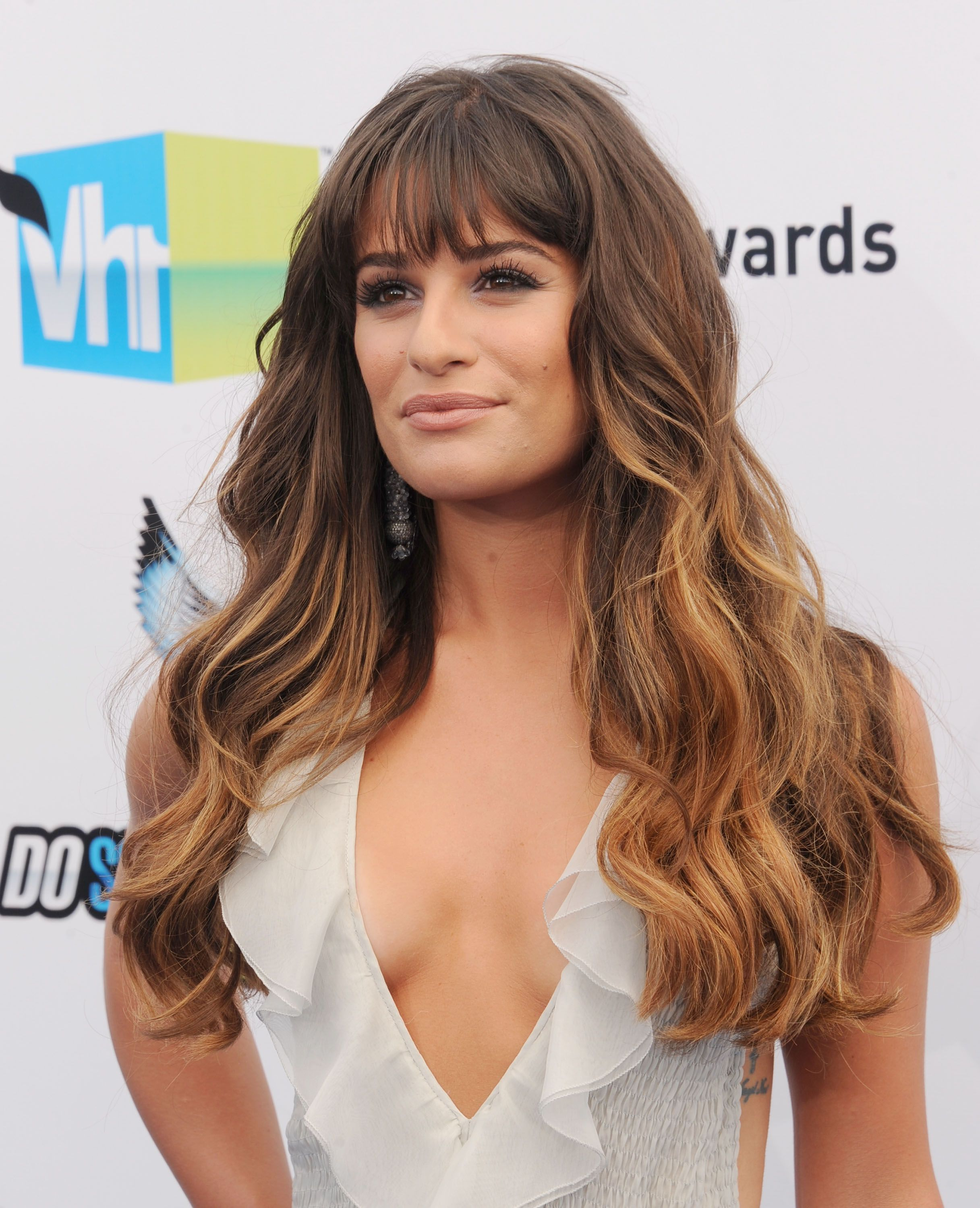 35 long hairstyles with bangs - best celebrity long hair with bangs