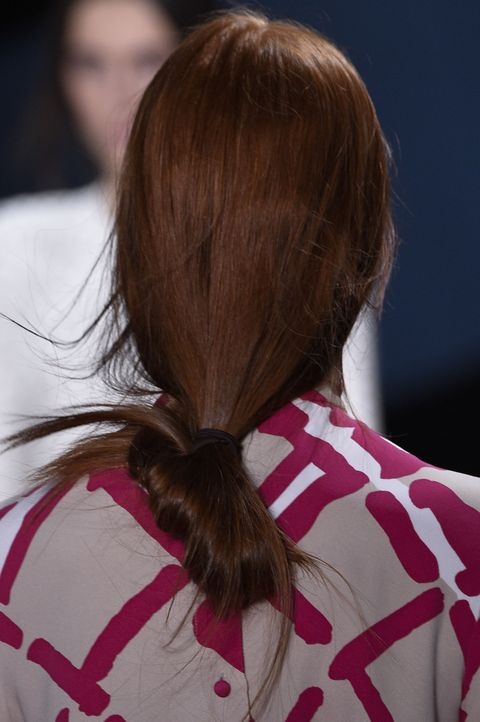 Brown, Hairstyle, Shoulder, Red, Style, Back, Long hair, Carmine, Neck, Brown hair,