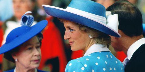 Nose, Hat, Chin, Style, Fashion accessory, Headgear, Costume accessory, Sun hat, Fashion, Electric blue,