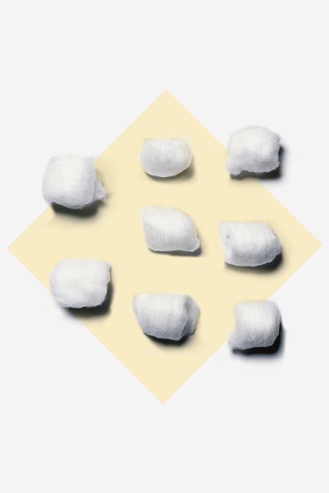 White, Rock, Grey, Beige, Chemical compound, Pebble, Natural material, Silver,