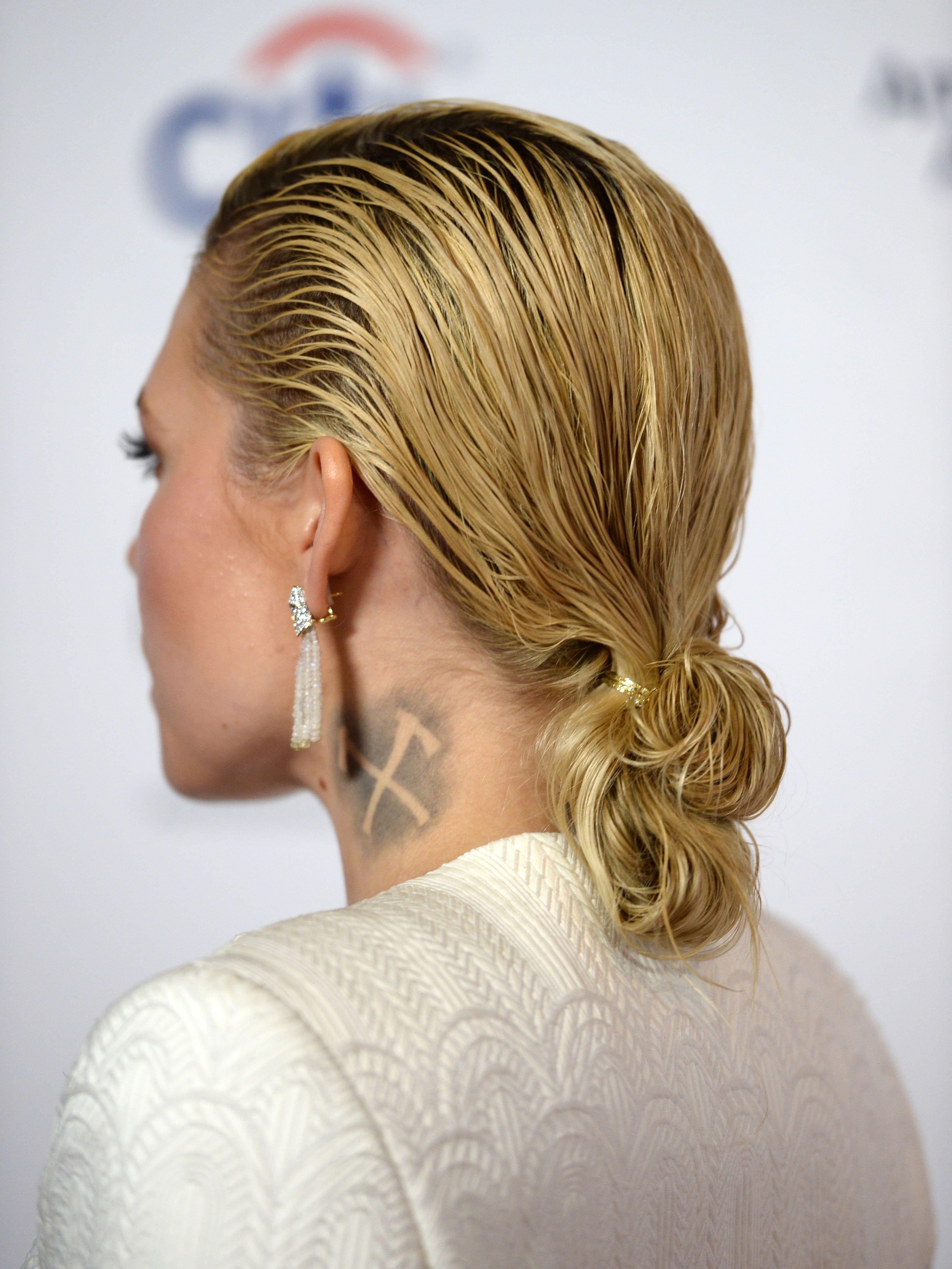 Hairstyles You Can Do with One Hair Tie , Easy Hair Ideas