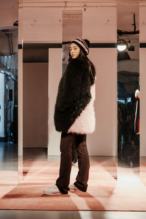 <p>Like grilled cheese or PB&amp;Js, fur coats are also better cut on the diagonal.</p>