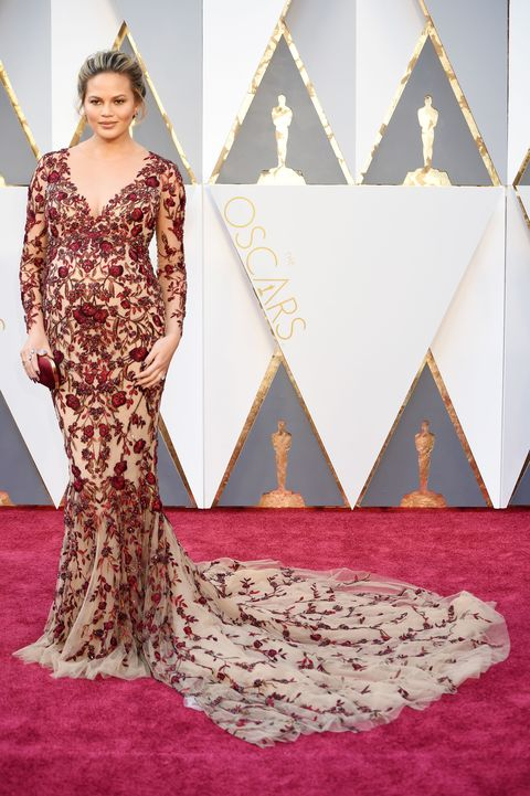 <p>In Marchesa at the 2016 Oscars</p>