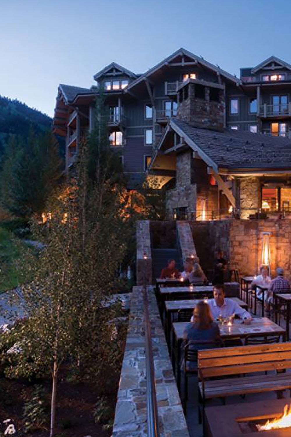 "<p>Sometimes the best way to unwind from a day full of strenuous ski exercise is...with more exercise. <a href=""http://www.fourseasons.com/jacksonhole/"">The Four Seasons Jackson Hole</a> offers guests a complimentary après ski yoga class to loosen up those sore muscles—you will not believe the kind of relief yoga stretching provides after skiing, especially when you're on a multi day trip. </p><p>After the class, you can continue unwinding by lounging at their outdoor pool and hot tubs, located slope side, where snow bunnies will put your robes on for you and store them in a heated box while you soak. If you end up there during peak apré<span class=""redactor-invisible-space""></span>s time, AKA 3 to 6 p.m., you'll also be able to indulge in poolside s'mores.</p>"