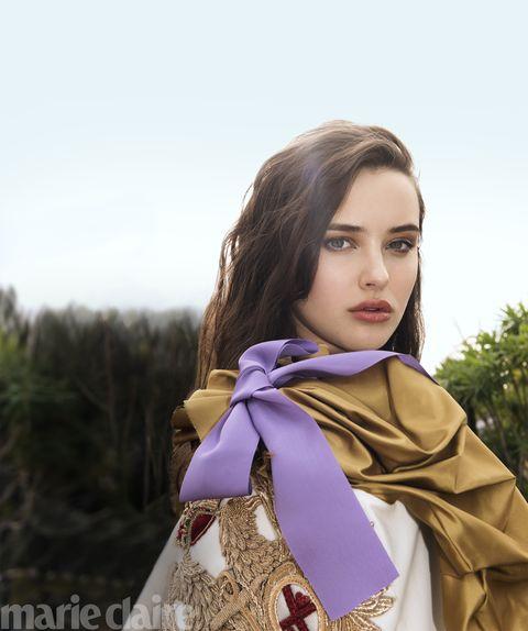Hairstyle, Style, Beauty, Fashion, Eyelash, Wrap, Fashion model, Street fashion, Model, Long hair,