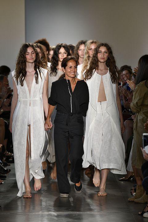Footwear, Human body, Shoulder, Outerwear, Fashion show, Style, Runway, Fashion model, Fashion, Waist,