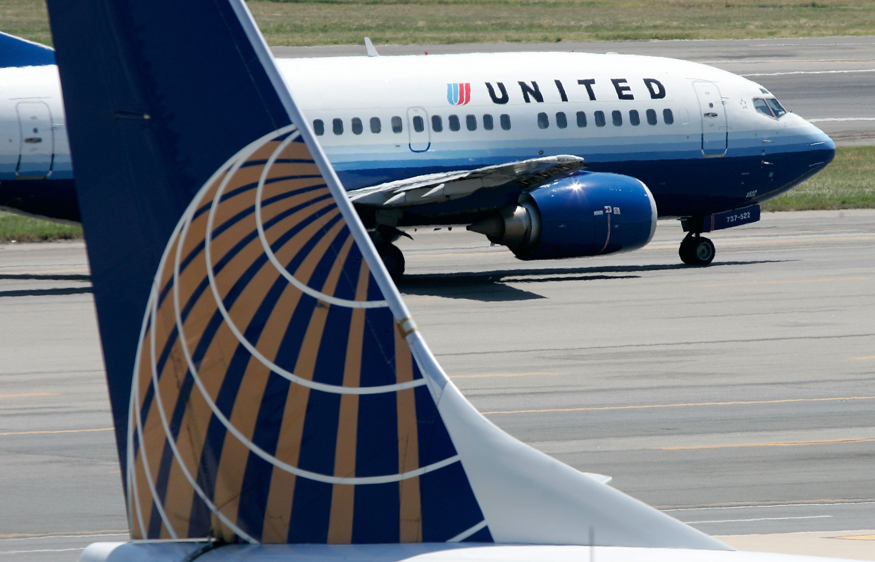 United Airlines Booted a Bride and Groom Off the Plane on the Way to Their Own Wedding forecast