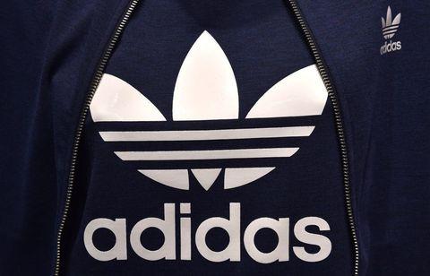 Hood, Clothing, Outerwear, Font, T-shirt, Logo, Sportswear, Hoodie, Sleeve, Jersey,