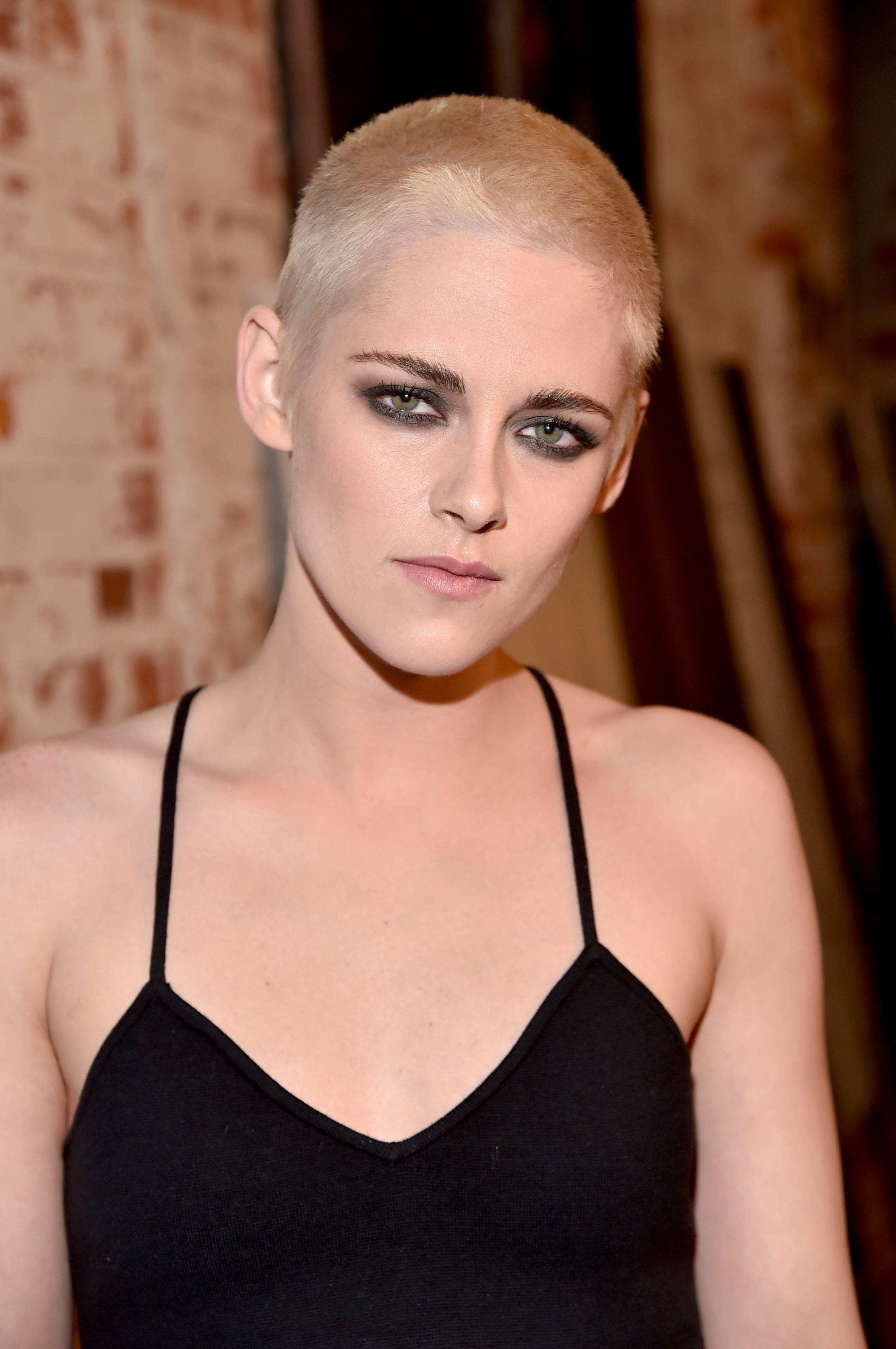 22 Famous Ladies Who Look Great With A Buzz Cut These Female