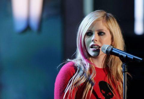 entertainment, singing, music artist, performance, singer, microphone, performing arts, music, pop music, musician,
